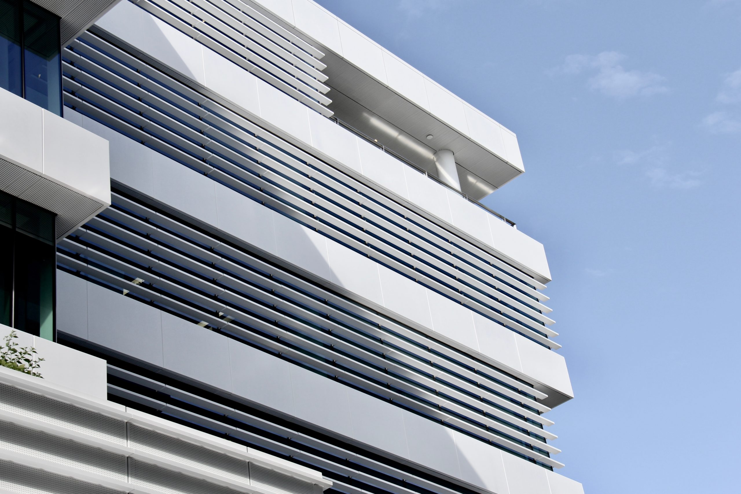 155 Fanshawe St - ACMF Louvres & Screens, perforated screens, plantroom louvres, pergola